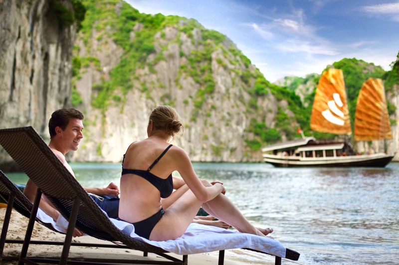 BRI1: SUPER SAVING DEAL: SPECIAL PACKAGE WITH 3-STAR HALONG BAY CRUISE - Click to get free massage and more benefits!